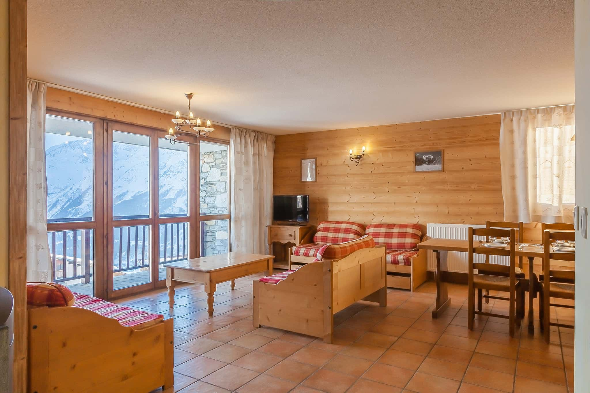1-BLR-Types-Appartement-8-10pers-sejour