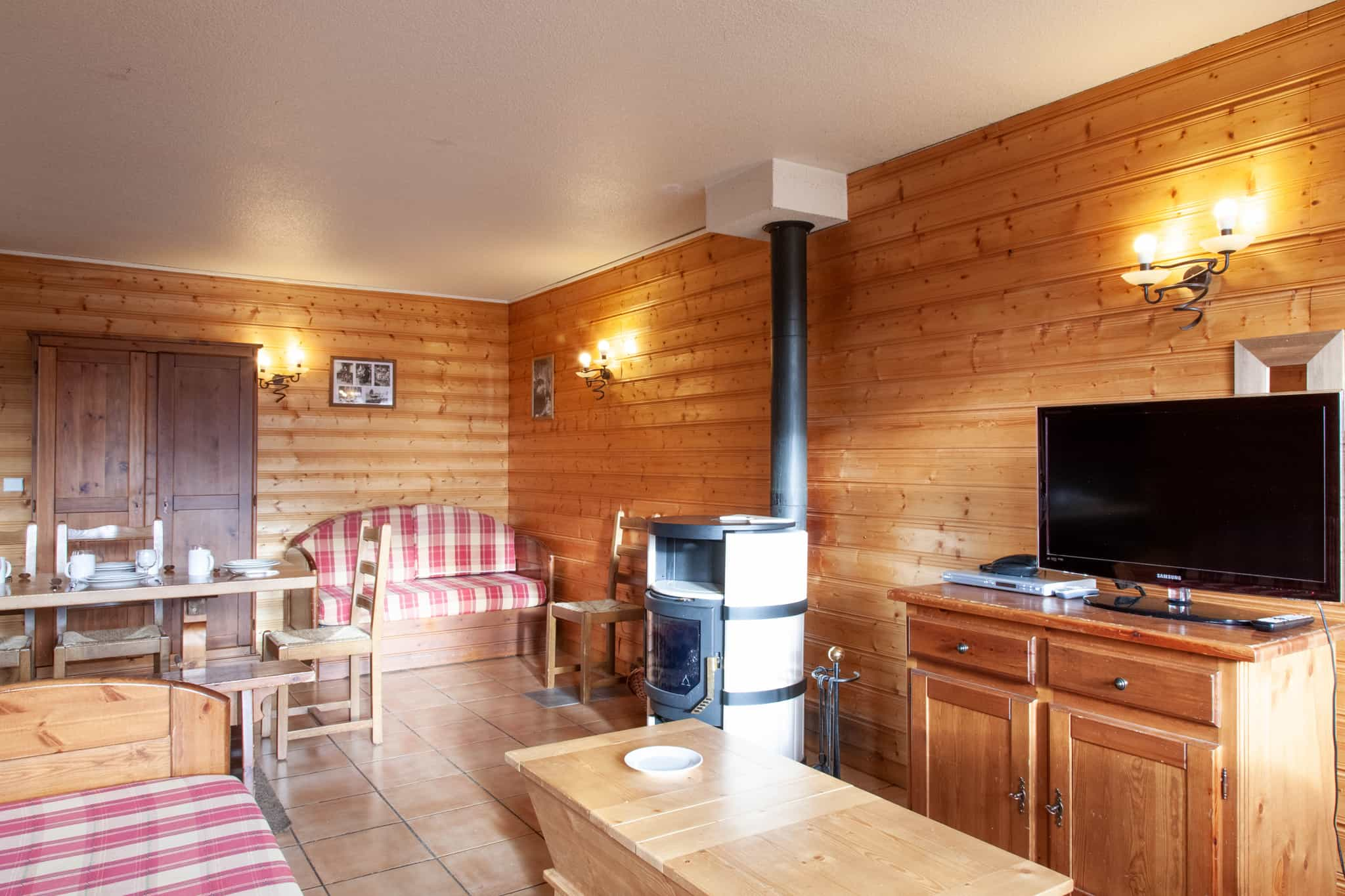 1-VALCHAVIERE-Types-Appartement-10-12pers-sejour